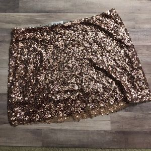 Urban outfitters rose gold sequin mini skirt sz Lg